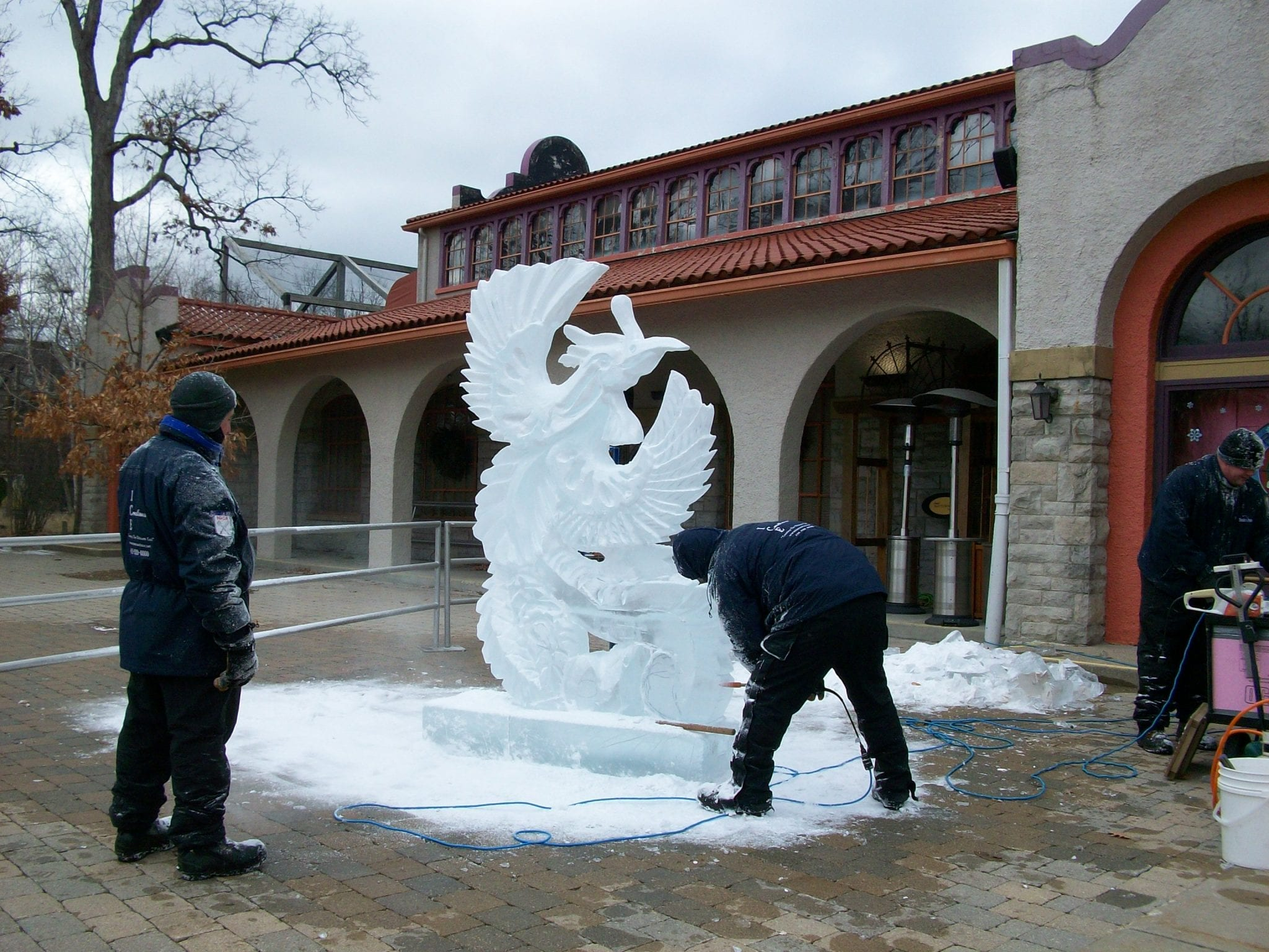 <h1>Ice Carving <br /> at Lights</h1>